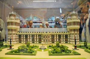 nonsuch-palace-model-2.jpg.display