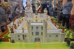nonsuch-palace-model.jpg.display