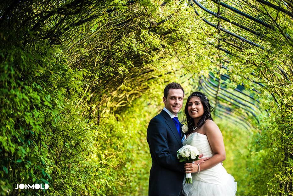Jon-Mold-Nonsuch-Mansion-Surrey-Wedding-1b